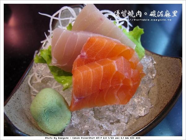 碳佐麻里燒肉。日本料理。生魚片