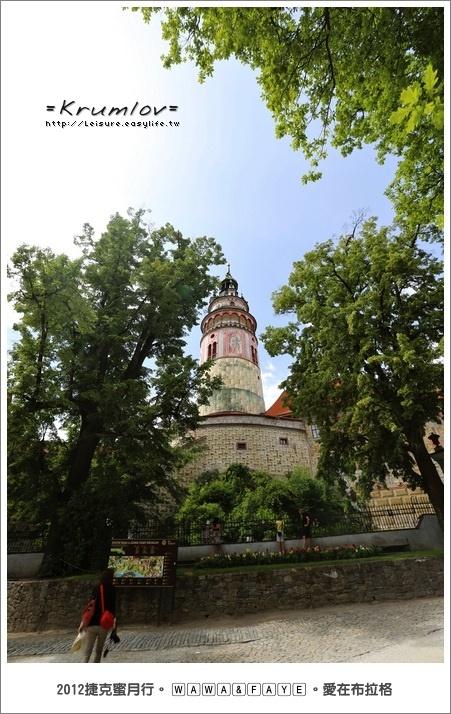 捷克 Krumlov 庫倫諾夫。城堡區、彩繪塔。鳥瞰庫倫諾夫