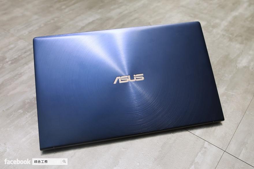 ZenBook 14 UX434 筆記型電腦開箱評測