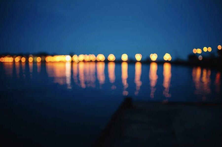 毛玻璃 景深 城市燈光 倒影 水面倒影