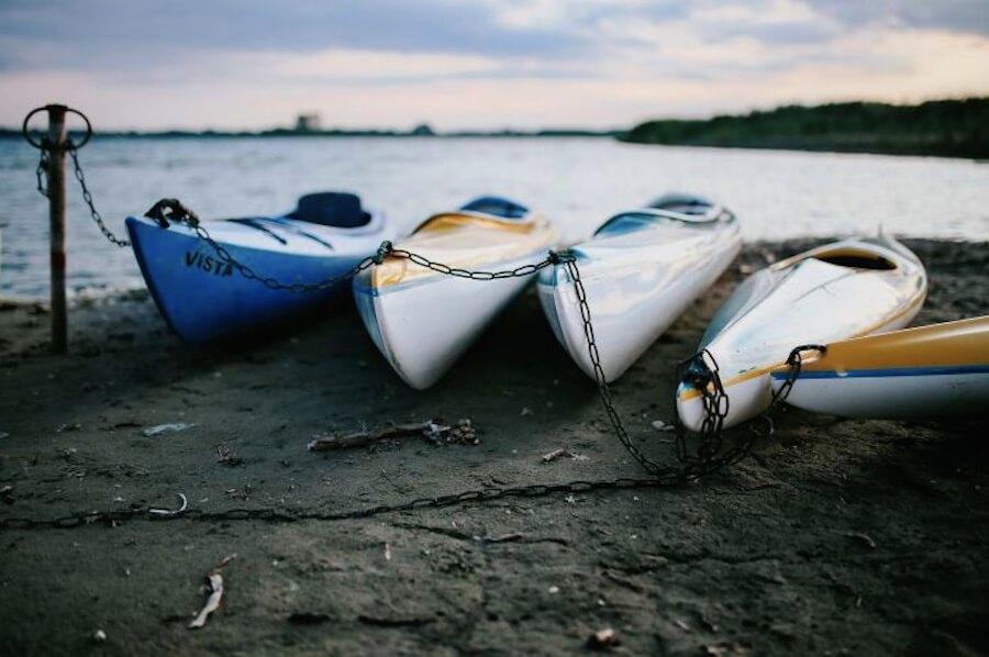 獨木舟 沙灘 靠岸