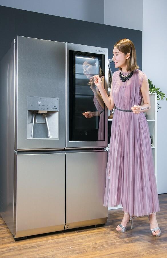 LG SUGNATURE InstaView 敲敲看門中門冰箱