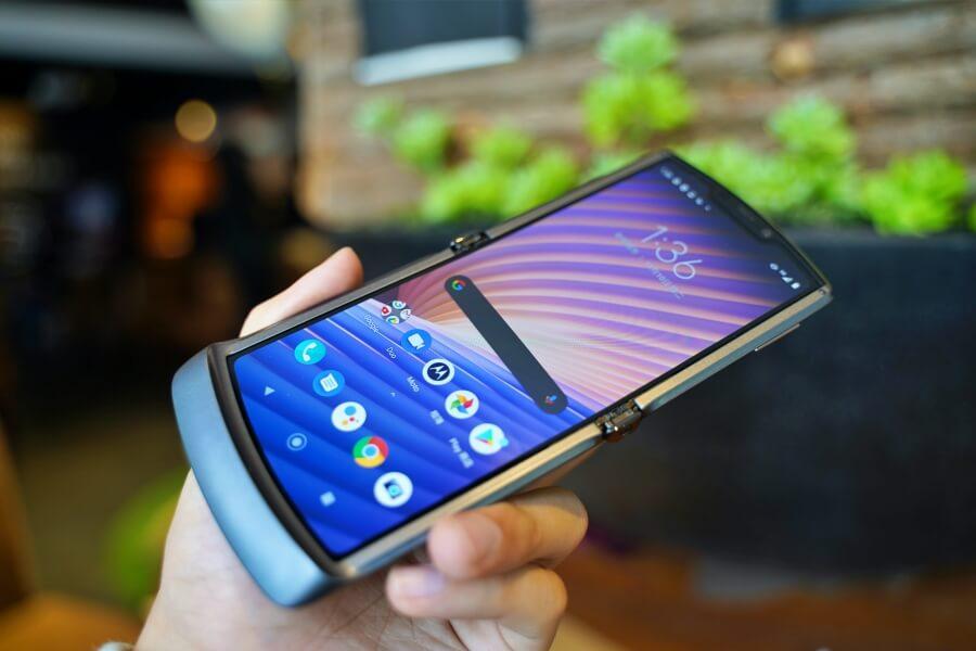 Motorola razr 5G 螢幕
