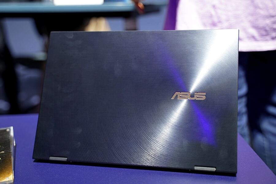ZenBook Flip S 螢幕大小