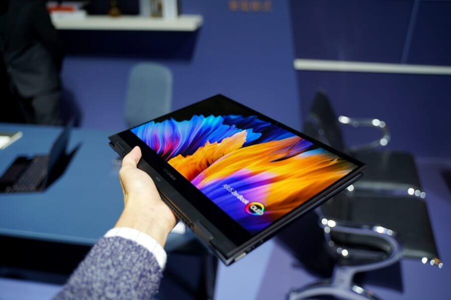 ZenBook Flip S OLED 帳棚模式